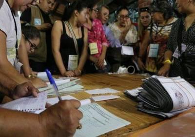Puja presidencial: Marito supera por casi 78 mil votos a Alegre