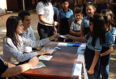 """""""Educar para elegir"""": 2.700 niños depositaron su voto simbólico durante elecciones"""