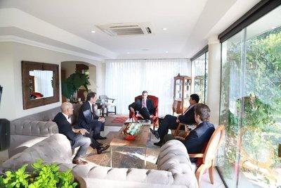 EE.UU. felicita al presidente electo Mario Abdo Benítez