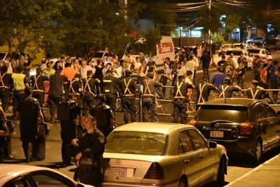 Manifestantes harán vigilia frente al local del TSJE