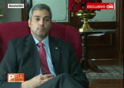 Marito dice que podría impulsar reelección pero no para él