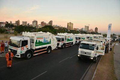 Asunción hace fuerte inversión en flota de camiones recolectores