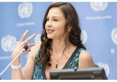 Ashley Judd demanda a Harvey Weinstein por haber hundido su carrera