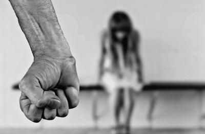 Rescatan a cuatro menores de edad presuntamente abusadas por el padrastro