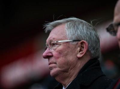 Alex Ferguson fue operado por una hemorragia cerebral