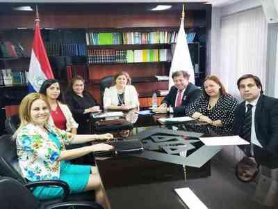 FGE se reunió con fiscales delegados de Central