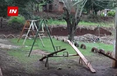 Inaudito: Se fue a España y construyeron una plaza en su terreno