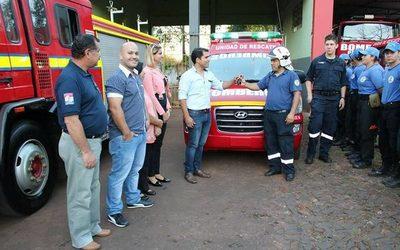 Bomberos de Presidente Franco reciben nueva ambulancia