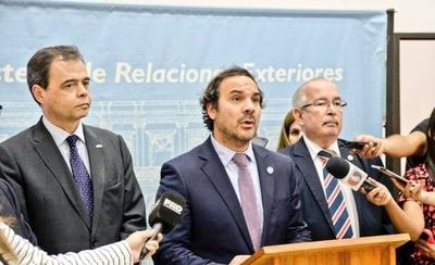 HOY / Argentina y Paraguay se comprometen a facilitar el comercio fluvial