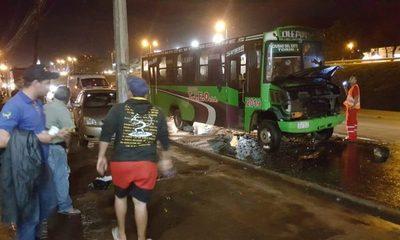 Bus se incendia en el Km 4,5