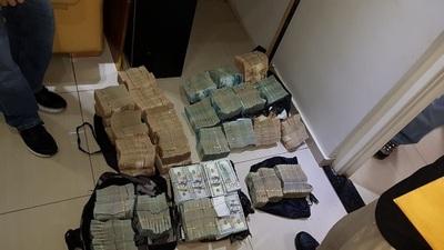 Al menos 10 bancos en la mira de la Fiscalía por lavado de dinero