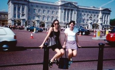 HOY / A los 15 años llegaba como turista en Londres, hoy se casó con un príncipe