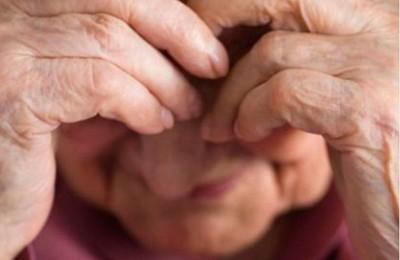 Condenado por golpear a su abuela