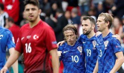 Modric, Rakitic, Kovacic y Vrsaljko en la lista de 24 de Croacia