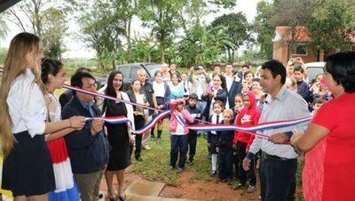 MEC recibe obras terminadas en Paraguarí