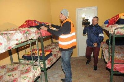 Más de 100 camas habilitadas para pasar las noches de frío