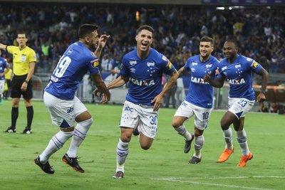 Cruzeiro superó a Racing en Belo Horizonte