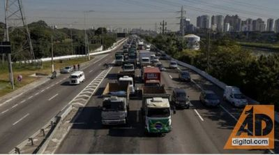 Suba de combustibles y manifestación de camioneros en Brasil influye negativamente en el comercio fronterizo