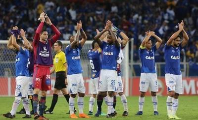 HOY / Cruzeiro despacha a Racing y gana su grupo