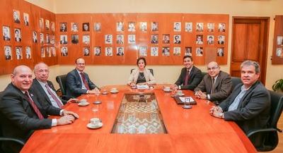Ex ministros de Hacienda apoyan creación de Superintendencia de Jubilaciones