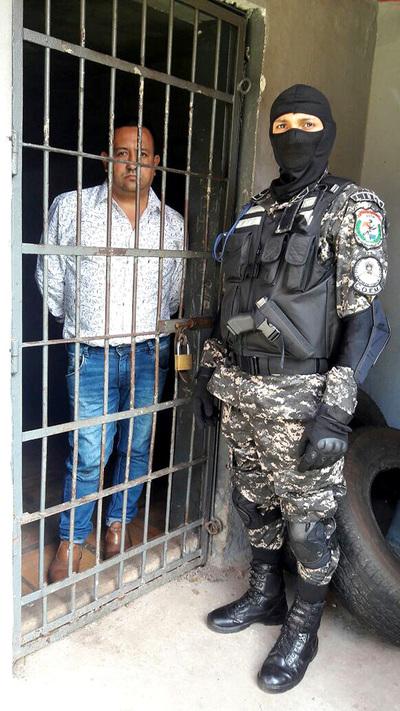 Agentes del Lince detienen a hombre que se resistió a una verificación