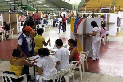 Colombia elige nuevo presidente con Iván Duque y Gustavo Petro como los favoritos