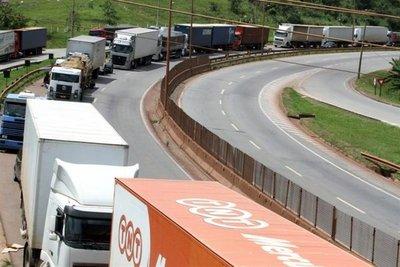 Temer busca poner fin a la huelga de camioneros