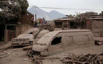 Volcán de Fuego ya dejó 75 muertos y casi 200 desaparecidos
