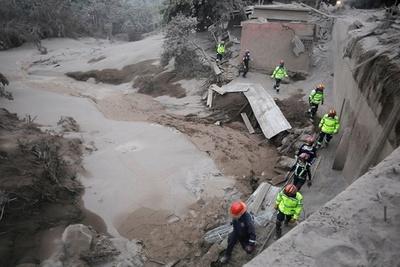 Guatemala: Sube a 99 la cifra de muertos por la erupción de volcán