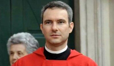El Vaticano procesará a sacerdote por pornografía infantil