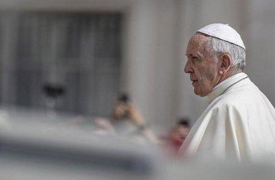 Papa acepta renuncia de tres obispos chilenos en medio de escándalo de abusos