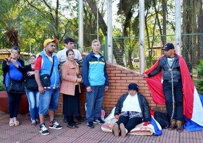 Exobreros amenazan con manifestarse tras depósito hecho por Comuna de CDE
