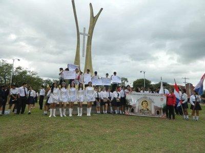 Alumnos realizan acto por la Paz del Chaco