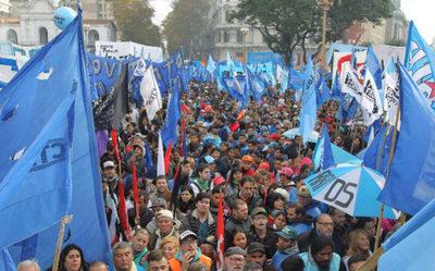 Argentina: Gremios desafían al FMI antes de inminente huelga general