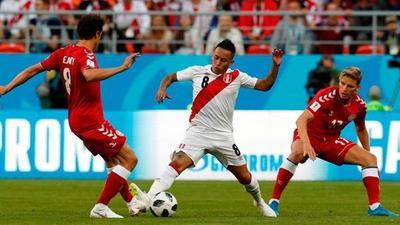 Perú no pudo superar a Dinamarca pese a su buen juego