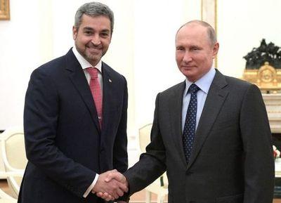 Abdo con Putin en el Kremlin: homenajearon a los oficiales rusos que pelearon por Paraguay en la Guerra del Chaco