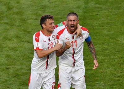 Con un golazo de tiro libre, Serbia venció a Costa Rica