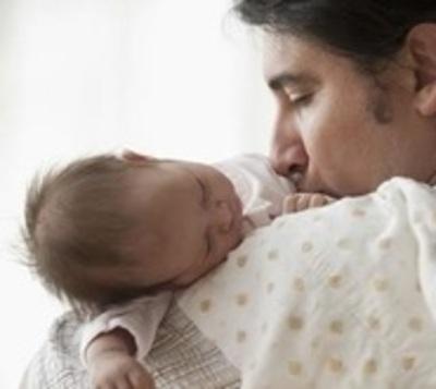 Instan a hombres a asumir su responsabilidad en la crianza de su hijos