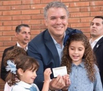 Iván Duque gana la segunda vuelta y es el nuevo presidente de Colombia