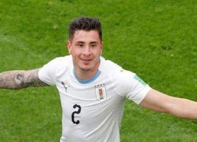 Con un cabezazo sobre el final, Giménez selló la victoria de Uruguay ante Egipto