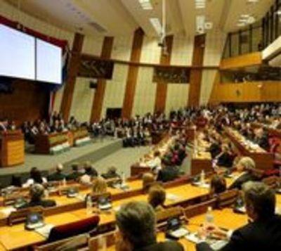 Organizan juramento de legisladores e informe de gestión de Cartes