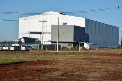 Intendente destaca instalación de fábricas en Hernandarias
