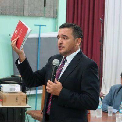 Rodolfo Friedmann debe asumir, si renuncia de Cartes no es aceptada antes del 30 de junio, afirma Petta