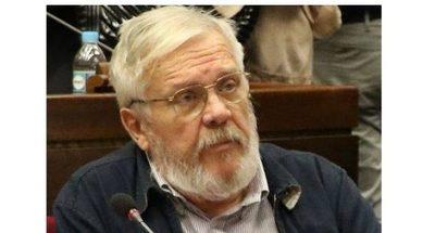 Adolfo Ferreiro cambió de posición y apoya juramento de Cartes como senador