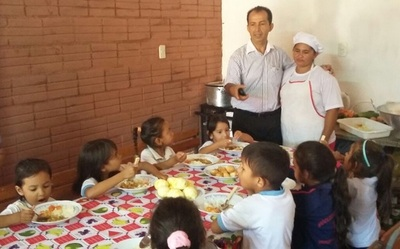 Almuerzo escolar de 14.155 alumnos, en jaque por deudas en Concepción