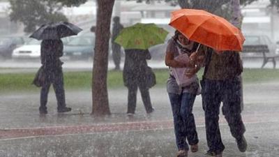 Pronostican ambiente fresco con lluvias para la jornada