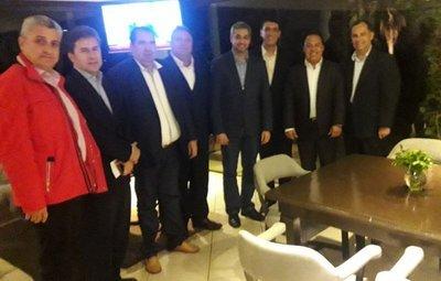Gobernadores liberales coordinan trabajos con Marito
