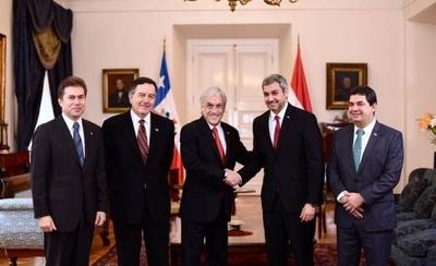 HOY / Marito y Piñera repasan en Santiago relaciones bilaterales y regionales