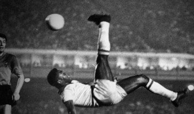 Pelé, el único que consiguió ganar en territorio europeo