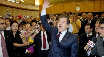 Nicanor pide raje de Lugo a cambio de desistir en su intención de jurar